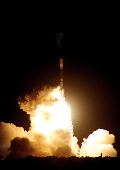 Photo showing the launch of the Kepler spacecraft (Photo: NASA/Jack Pfaller)
